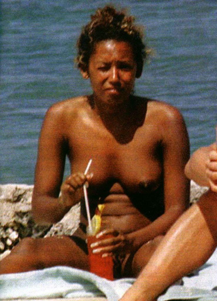 Mel b naked boobs — photo 3