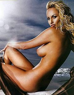 Sklenarikova nackt Adriana  Adriana Karembeu