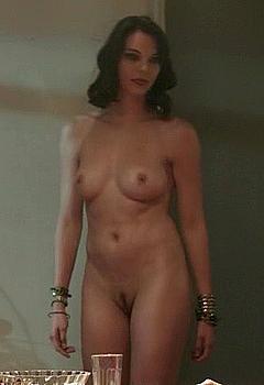 Kimberly Leemans  nackt