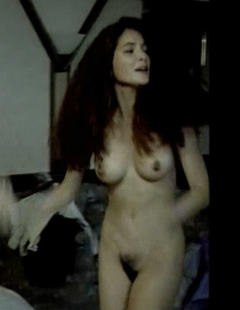 Nackt  Alessia Barela Alessia zieht