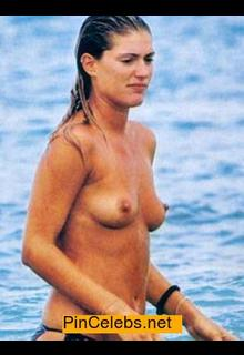 Francesca Piccinini topless paparazzi photo