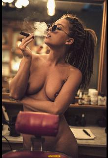 Marisa Papen smoking nude