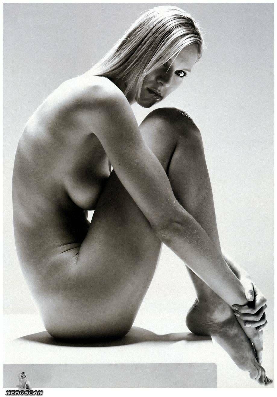 Ina Naked 76