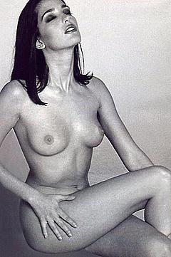 Allysa milano is a lesbian