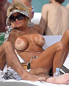 my wife sunbathing nude pics